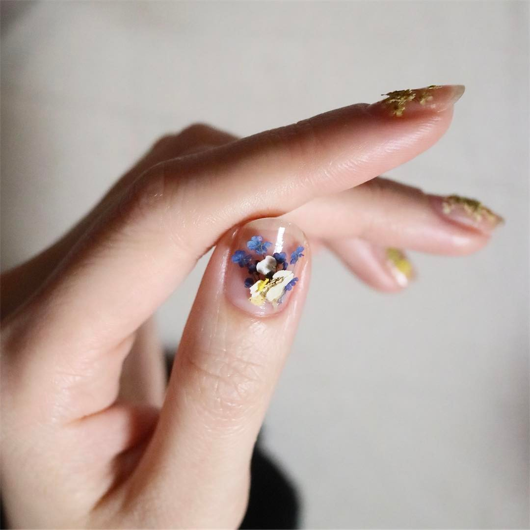 Dry Flower Nails Are the Prettiest Korean Nail Trend Right Now