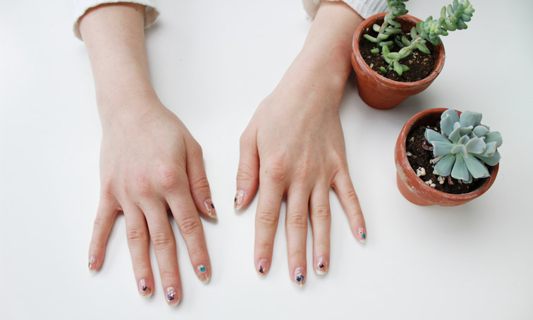 How To Use The Modi X Unistella Nail Stickers Create A Manicure